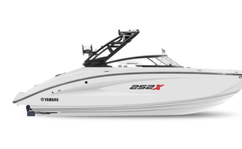 新着情報!!2020 Yamaha Marine AR240新艇、展示艇!!(USA)ファイナルプライス!!