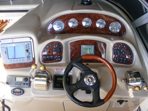 SEARAY 320 サンダンサー