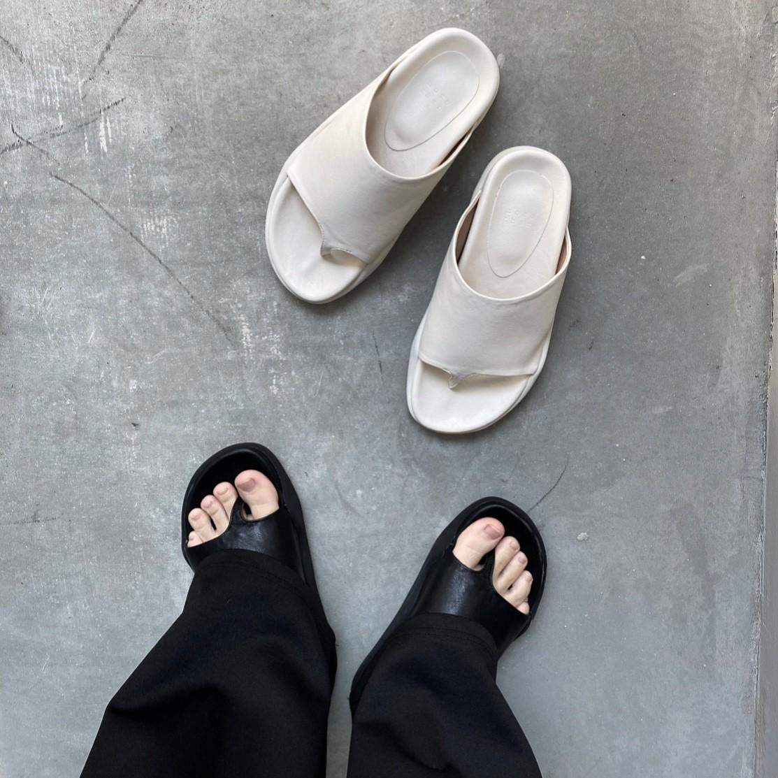 fake leather thong sandal