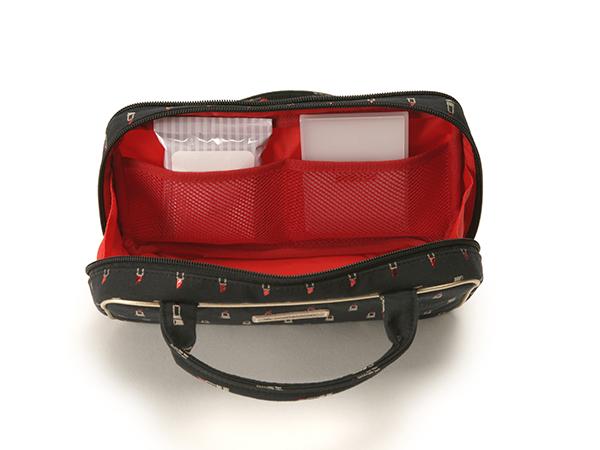 【WEB限定】ビューラーポケット& アウターポケット付きポーチ<Valiant Rouge(ヴァリアント・ルージュ)>XOP-LI22
