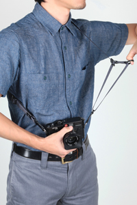 【アウトレット】カメラストラップ 指一本で長さを調整・固定できる、リングバージョン ACAM-E25R