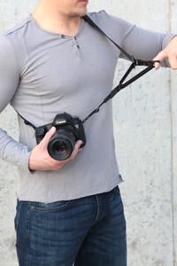 カメラストラップ 指一本で長さを調整・固定できる、幅広バージョン ACAM-E38
