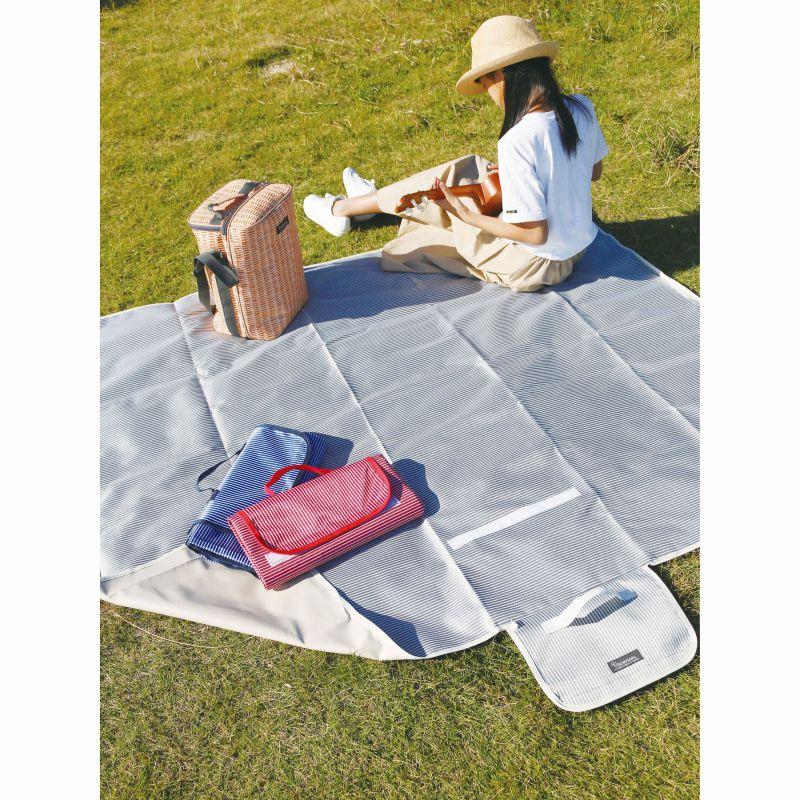 【夏セール30%OFF】バカンス 折りたたみピクニックマット ストライプ レッド 150×180cm SFVL2010RD / SPICE OF LIFE