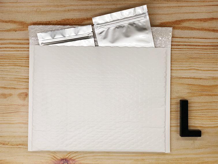 【30枚】ラクッション封筒 ポリタイプ ホワイト Lサイズ(外寸312×228+40mm)