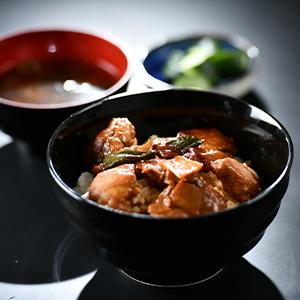 【晩ごはんがたったの5分で!】大黒堂の焼き鳥丼の素セット 180g×5パック