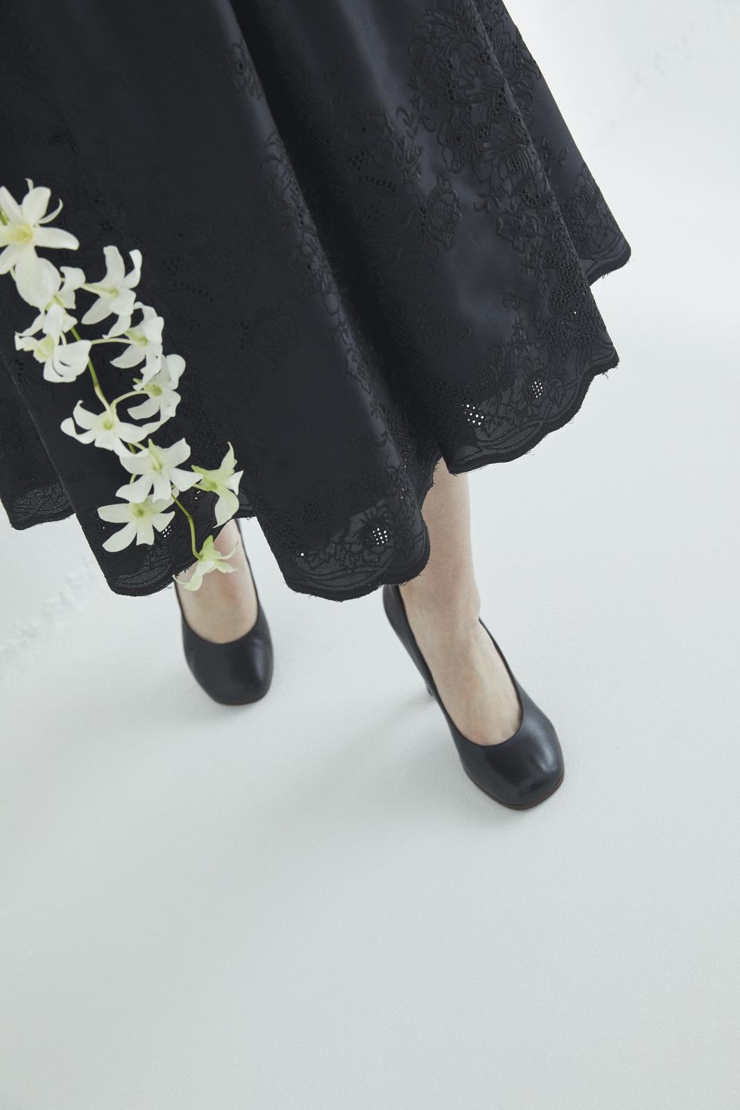 花レース刺しゅうフロント釦ワンピース
