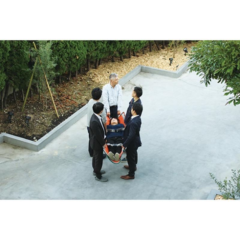 患者と救護者の安全を考えた 3wayマットタンカ