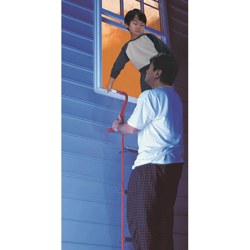 窓やベランダに簡単装着! 次世代避難梯子 2階用