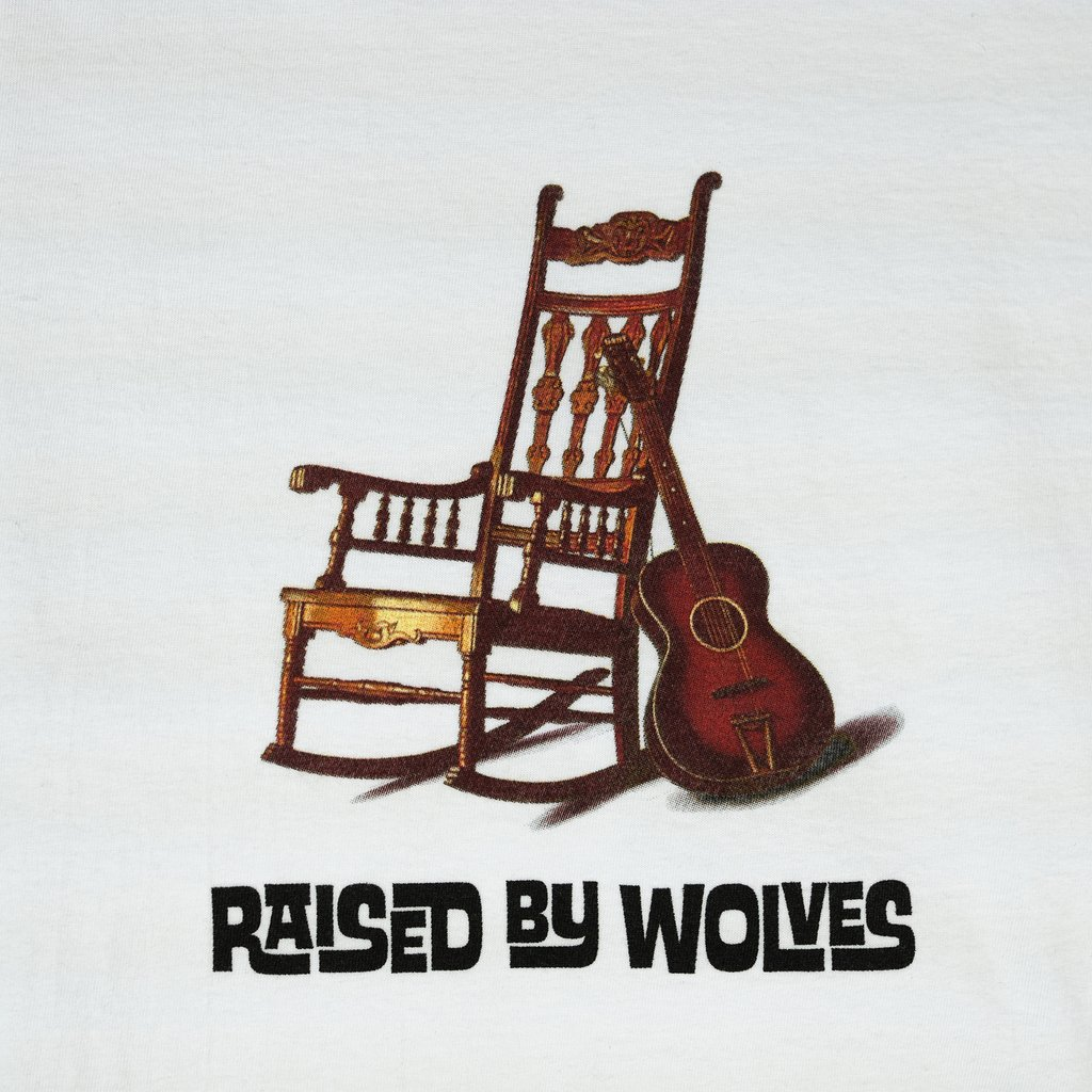 【RAISED BY WOLVES/レイズドバイウルブス】ROCKING CHAIR T-SHIRT Tシャツ / WHITE