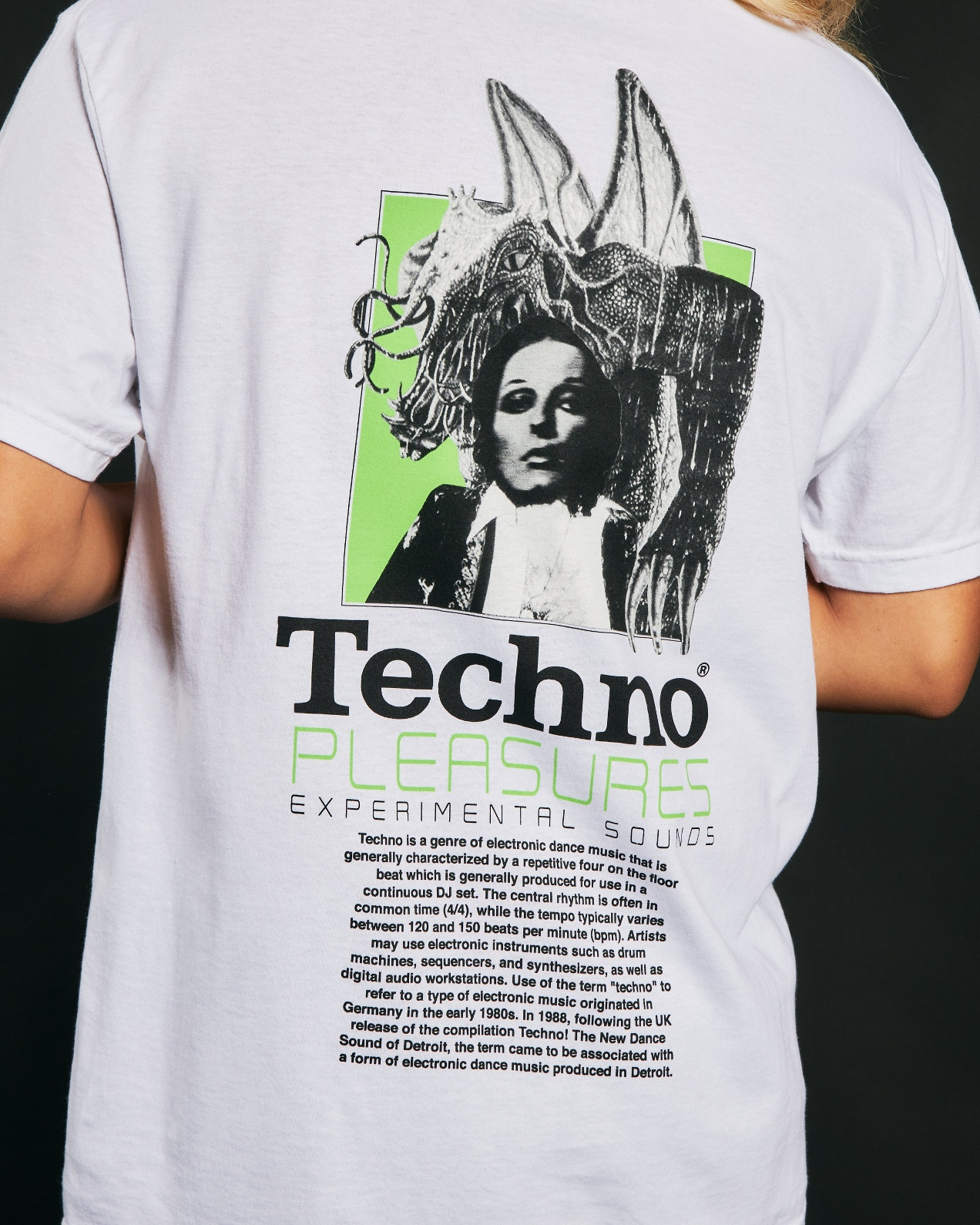 【PLEASURES/プレジャーズ】TECHNO T-SHIRT Tシャツ / WHITE