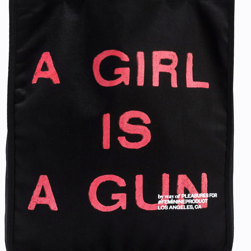 【PLEASURES/プレジャーズ】A GIRL IS A GUN TOTE BAG トートバッグ / BLACK