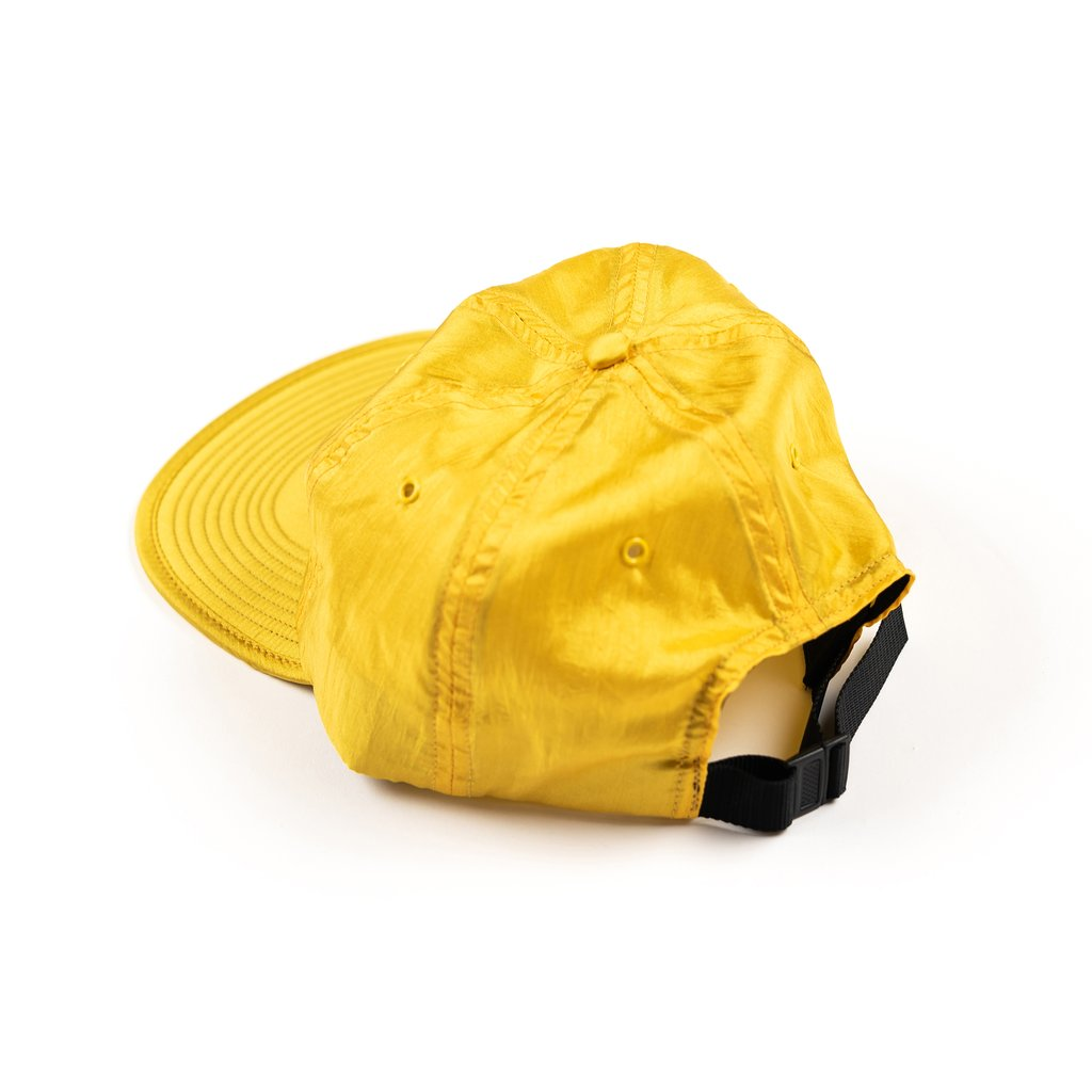 【RAISED BY WOLVES/レイズドバイウルブス】TRILOBAL 6 PANEL CAP ストラップバックキャップ / GOLD