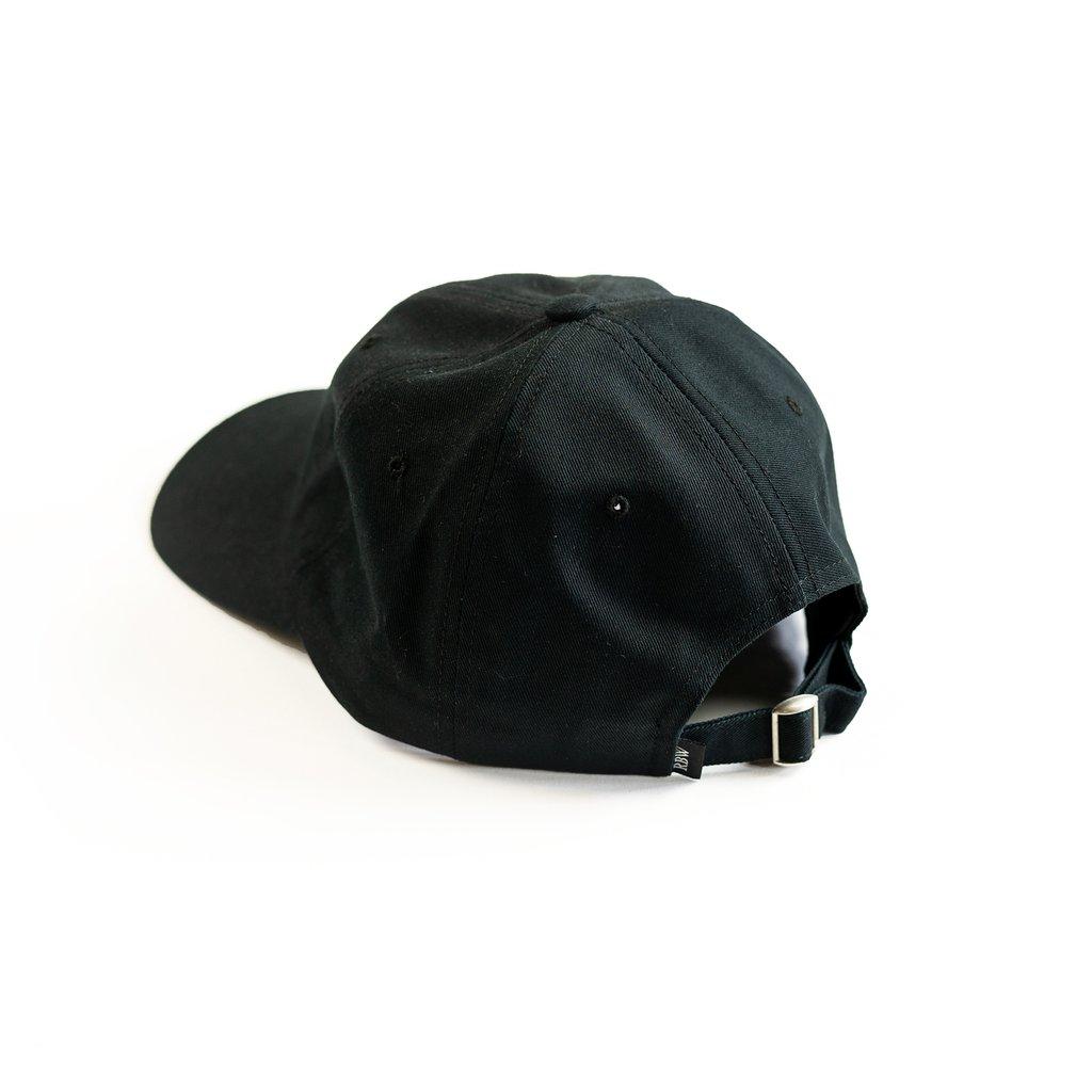 【RAISED BY WOLVES/レイズドバイウルブス】RESTRICTED DAD CAP ストラップバックキャップ / BLACK
