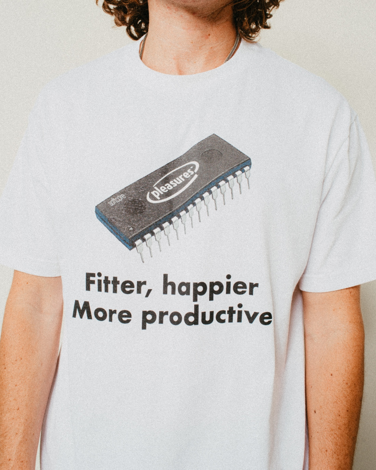 【PLEASURES/プレジャーズ】HAPPIER T-SHIRT Tシャツ / WHITE