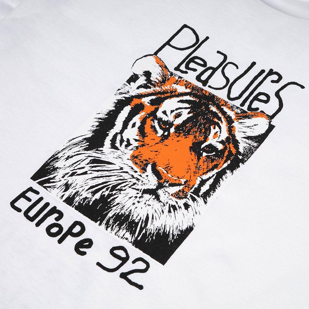 【PLEASURES/プレジャーズ】EUROPE 92 T-SHIRT Tシャツ / WHITE