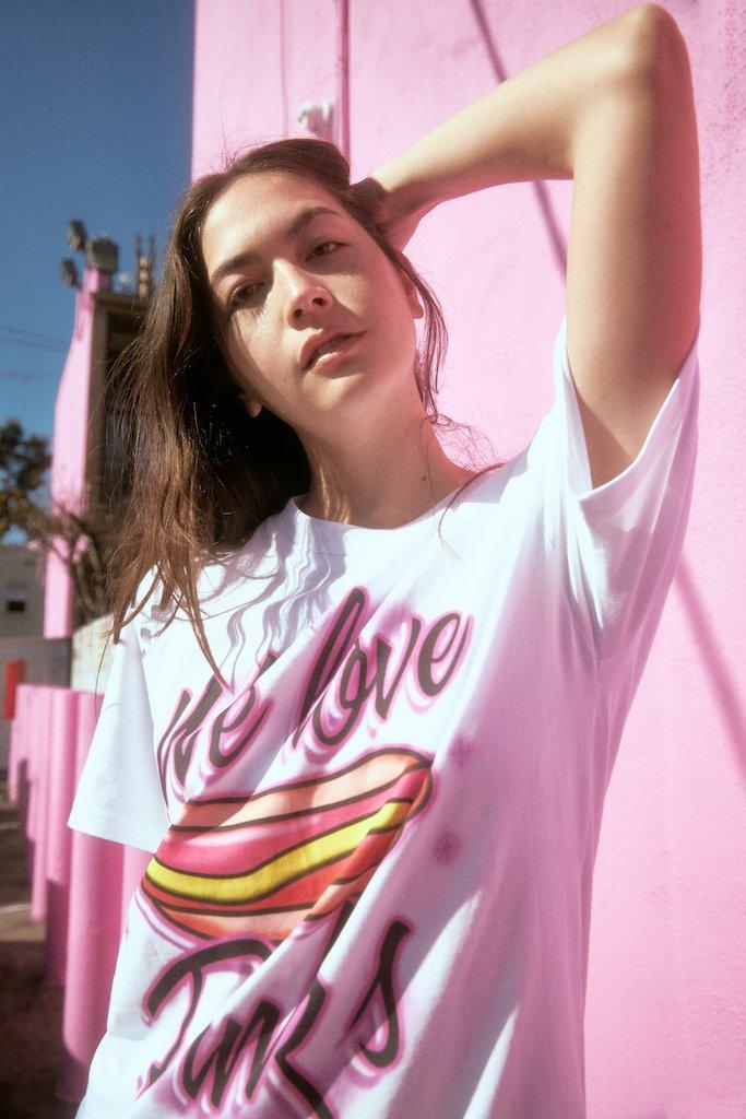 【PETALS AND PEACOCKS / ペタルズ アンド ピーコックス × PINK'S / ピンクス】WE LOVE PINKS Tシャツ / WHITE