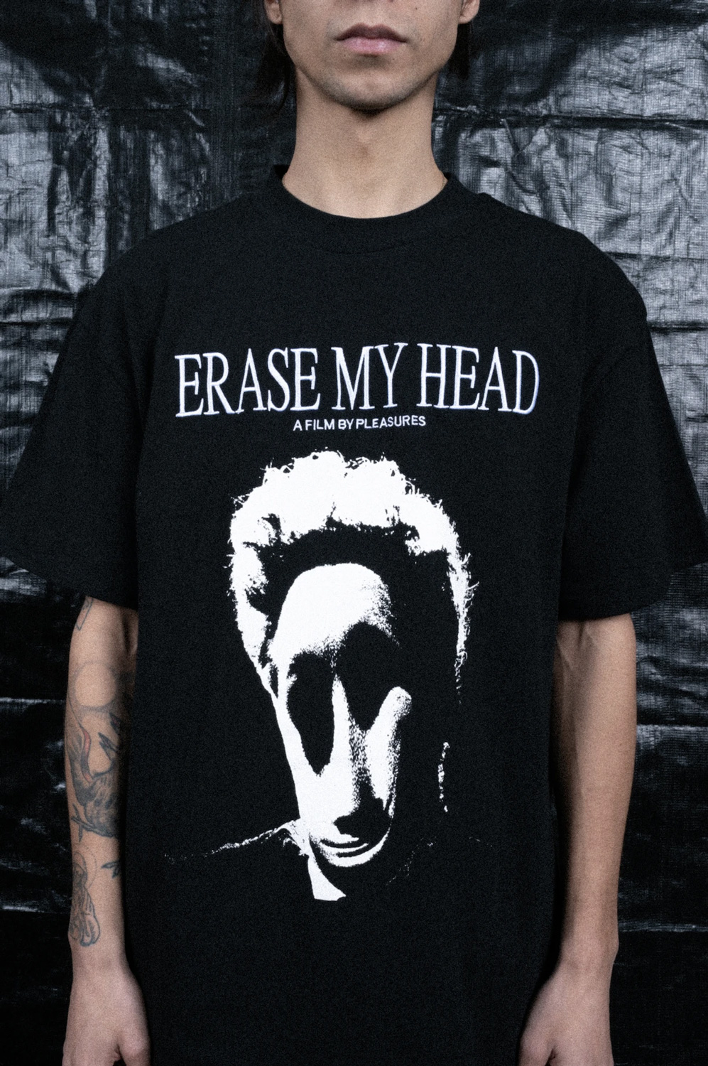 【PLEASURES/プレジャーズ】ERASE MY HEAD PREMIUM T-SHIRT カットソーTシャツ / BLACK