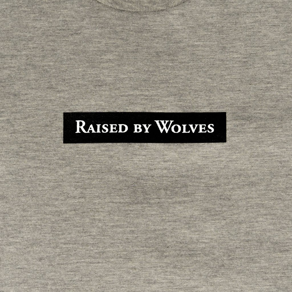 【RAISED BY WOLVES/レイズドバイウルブス】BEASTS TEE Tシャツ / GREY