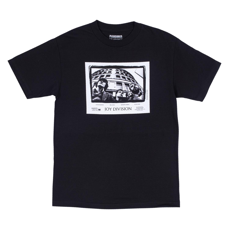 【PLEASURES/プレジャーズ×JOY DIVISION/ジョイ・ディヴィジョン】BAND T-SHIRT Tシャツ / BLK