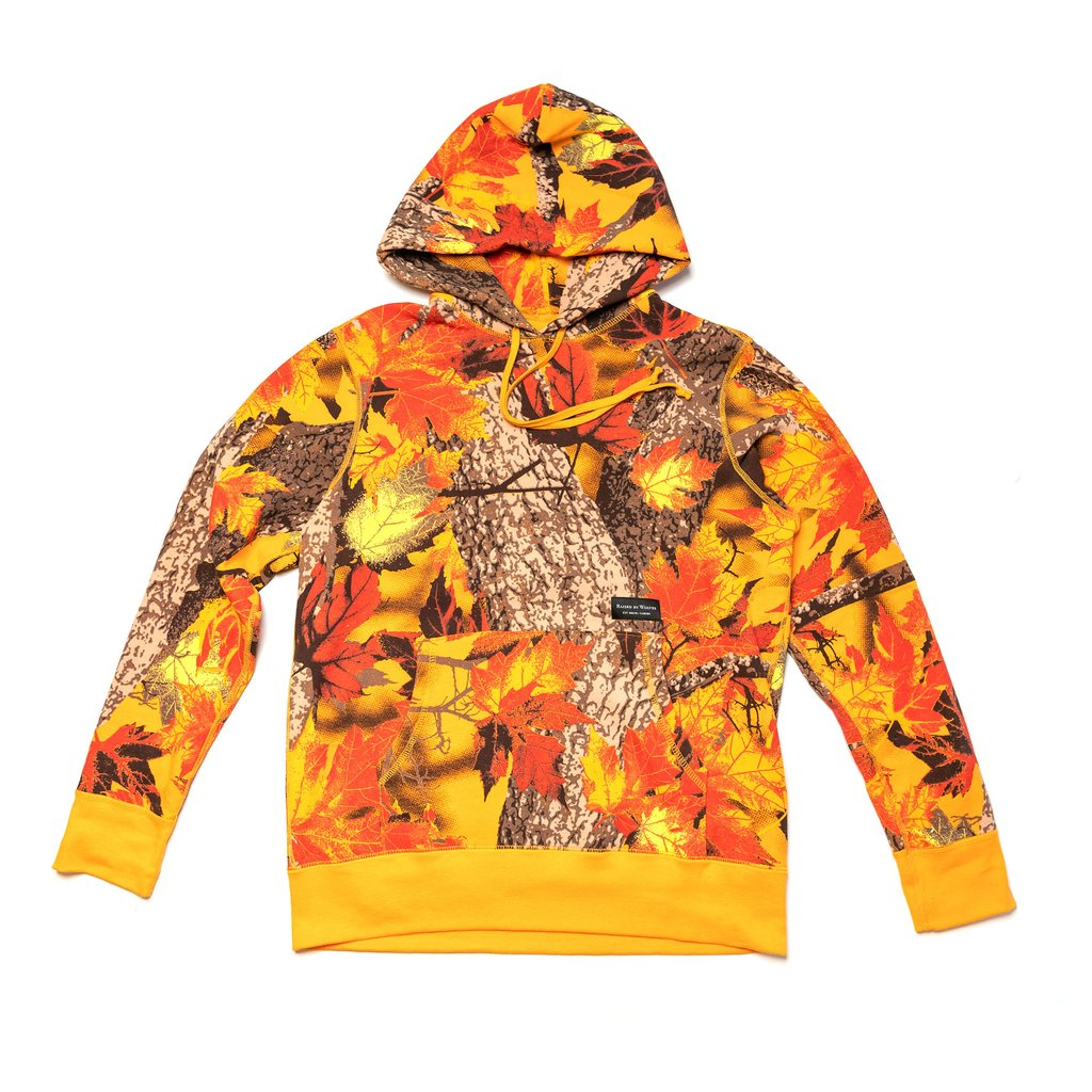 【RAISED BY WOLVES/レイズドバイウルブス】MAPLE CAMO HOODED SWEATSHIRT バーカー / AOP BLAZE