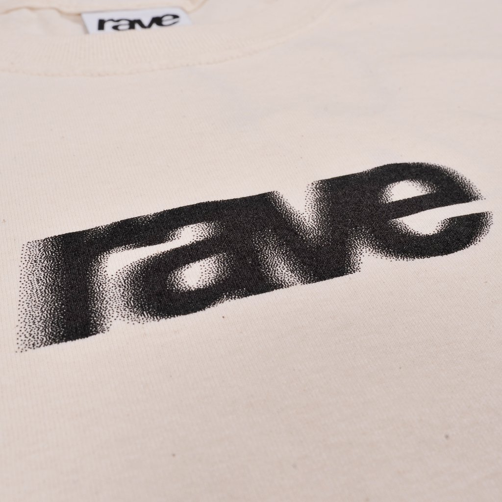 【RAVE SKATEBOARDS/レイブスケートボード】BLURRY LOGO TEE Tシャツ / OFF WHITE