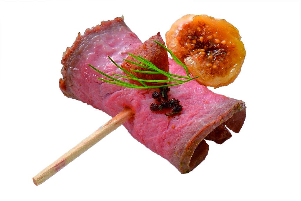 02. 無投薬で育てた国産肉を使用 お酒に合うミートフィンガーボックス