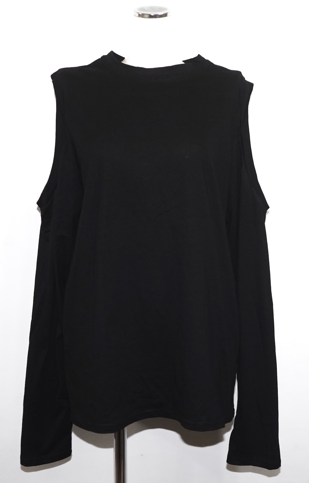 Open Shoulder L/S T-shirts (black)