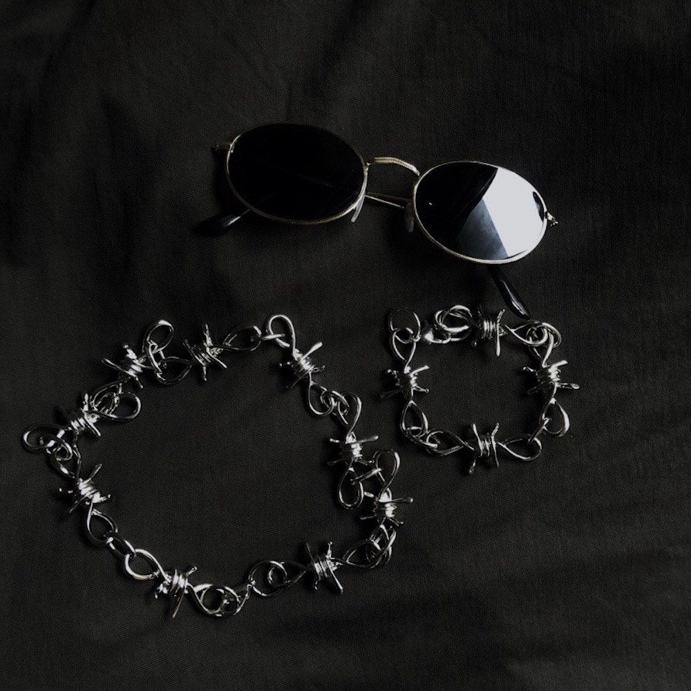 Barbed Wire Necklace (silver)