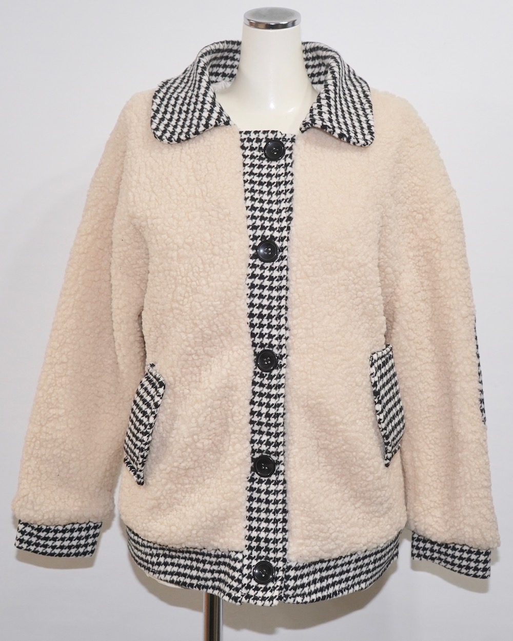 Houndstooth Accent Boa Jacket (off white)