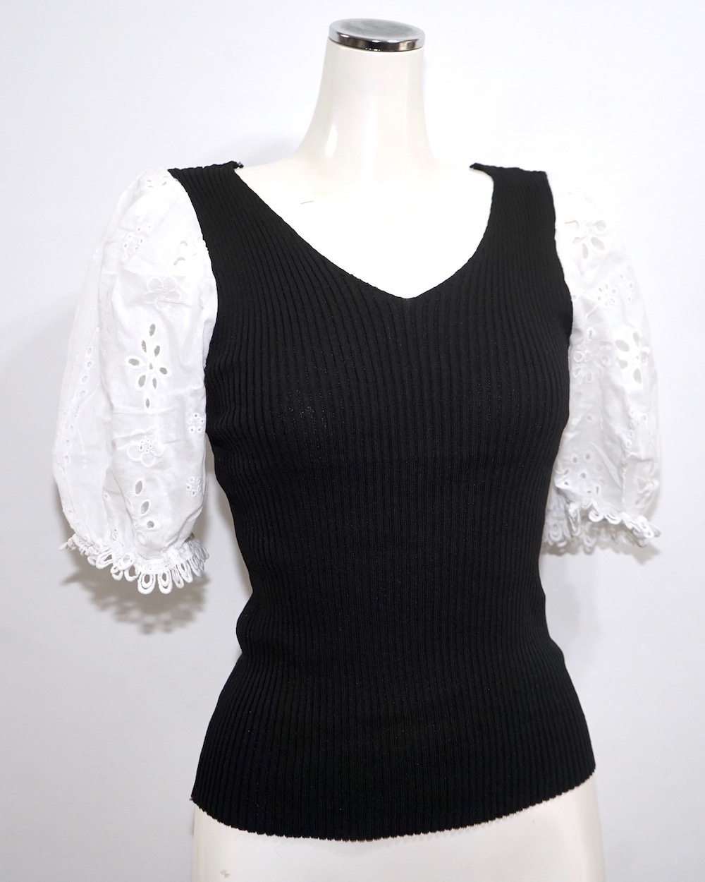 Cutwork Puffsleeve Switching Tops