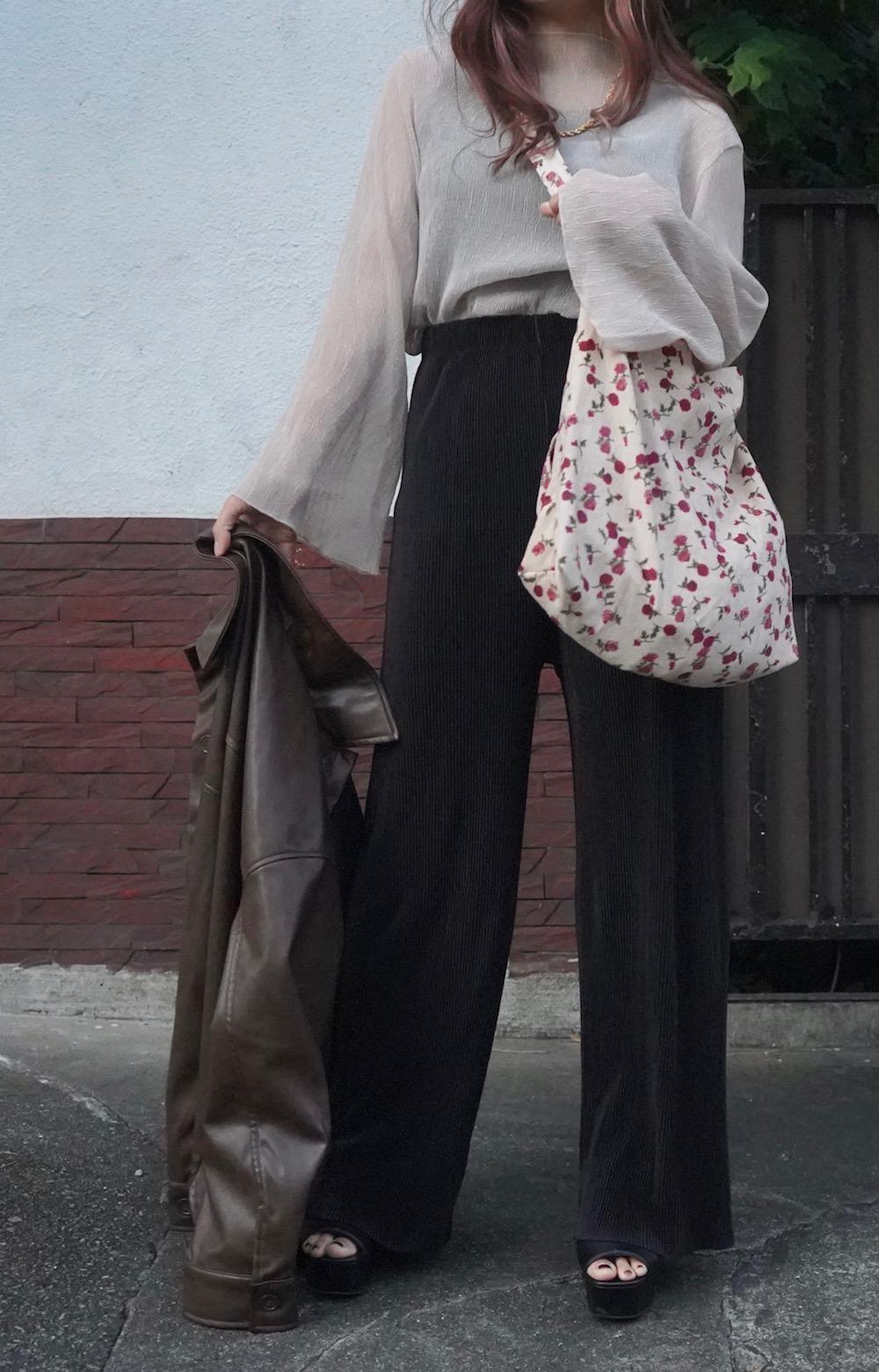 Crinkle Sheer Bell Sleeve Tops (beige)