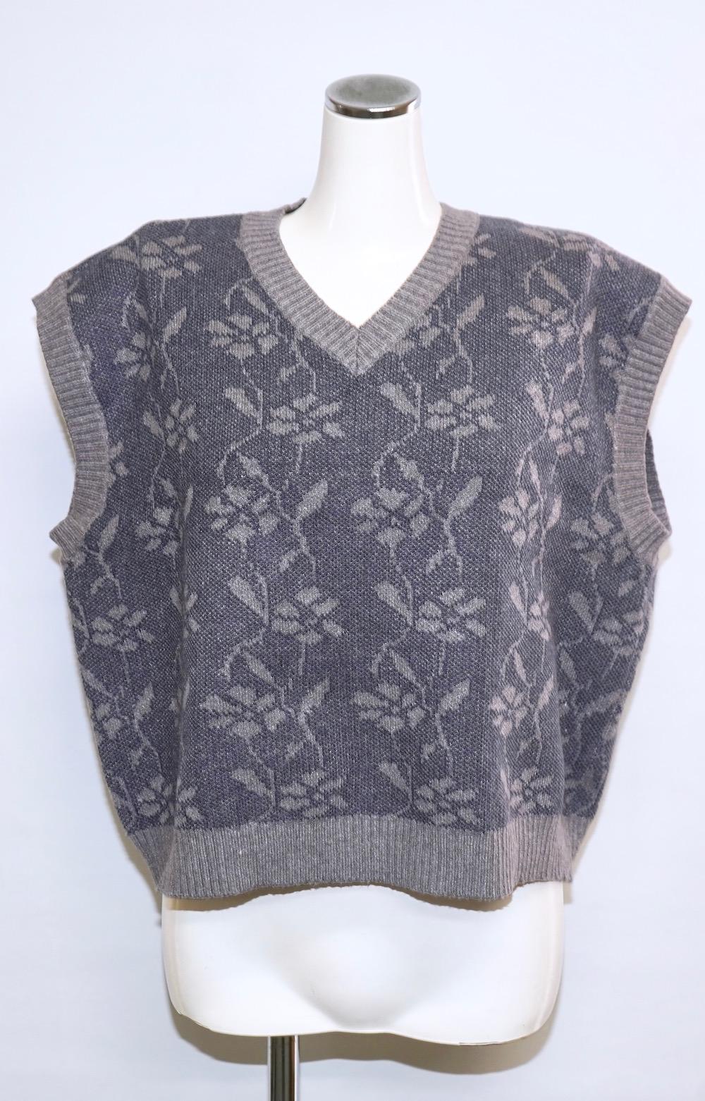 Flower V-Neck Knit Vest