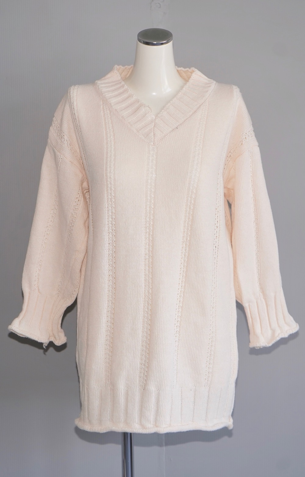 V-Neck Loose Knit Tunic (ecru)