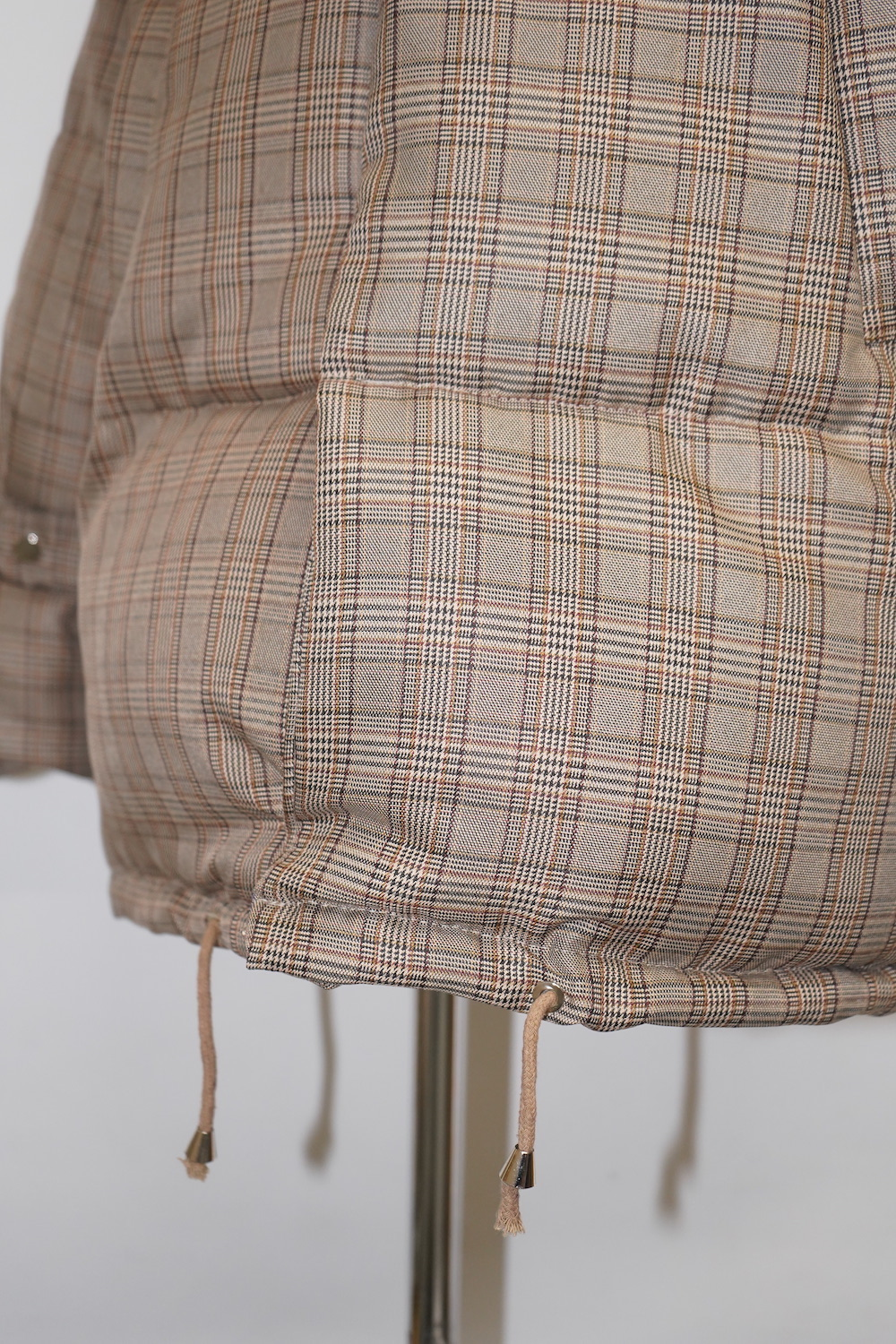 Checked Padding Down Jacket (beige)