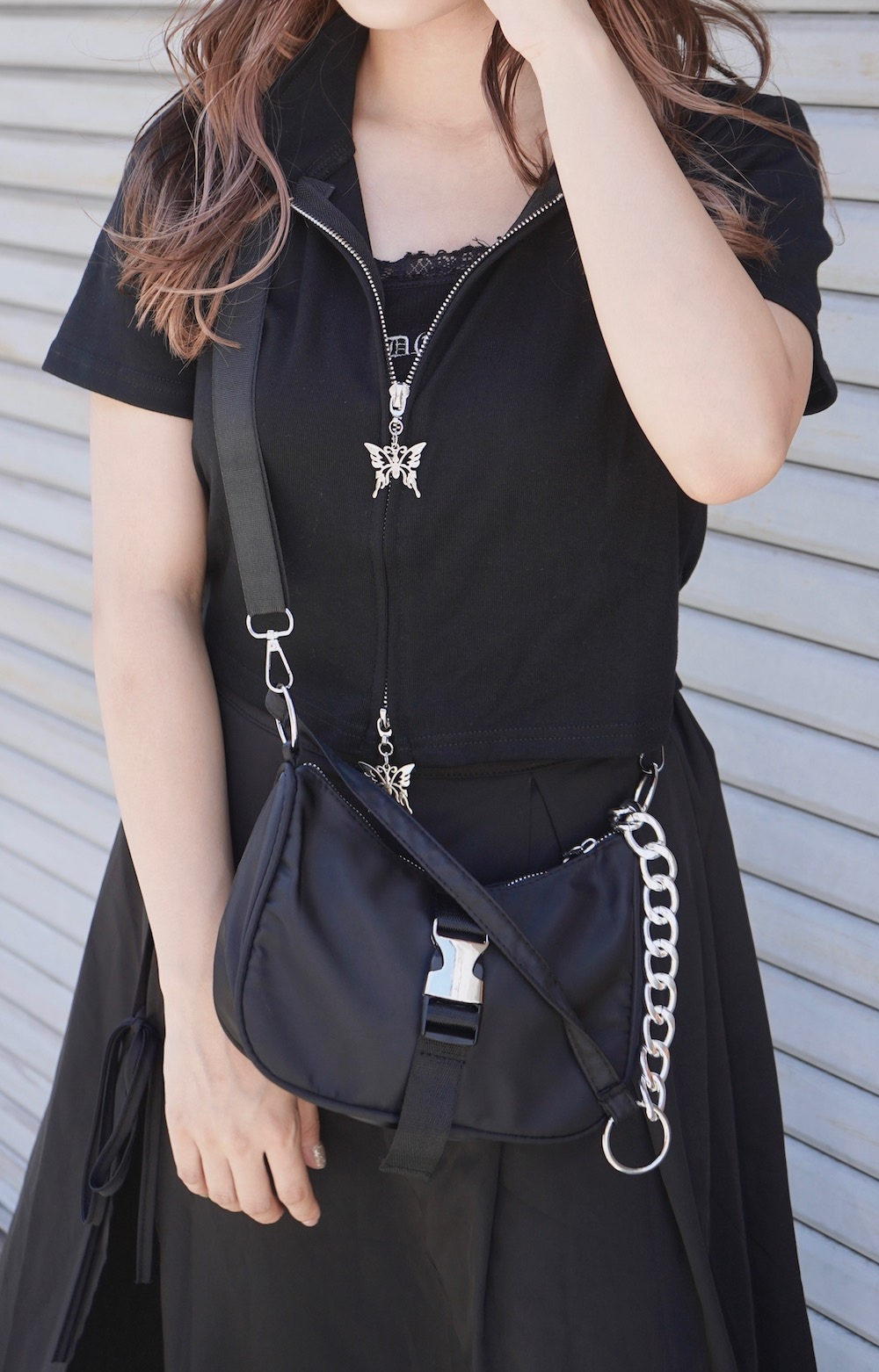 Butterfly Charm Zip-Up Tops (black)