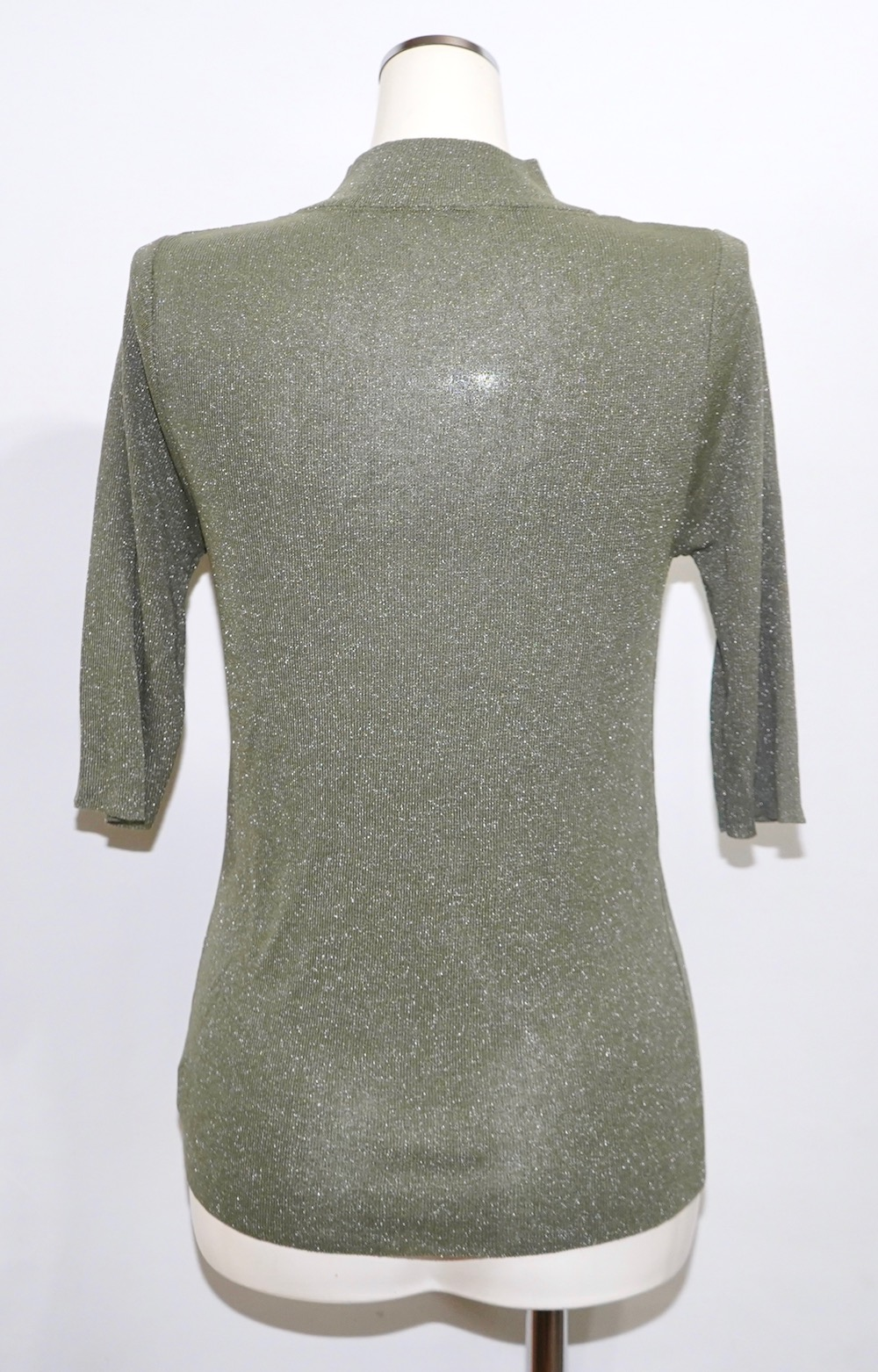 Decolletage Cut Lame S/S Knit Tops (light green)