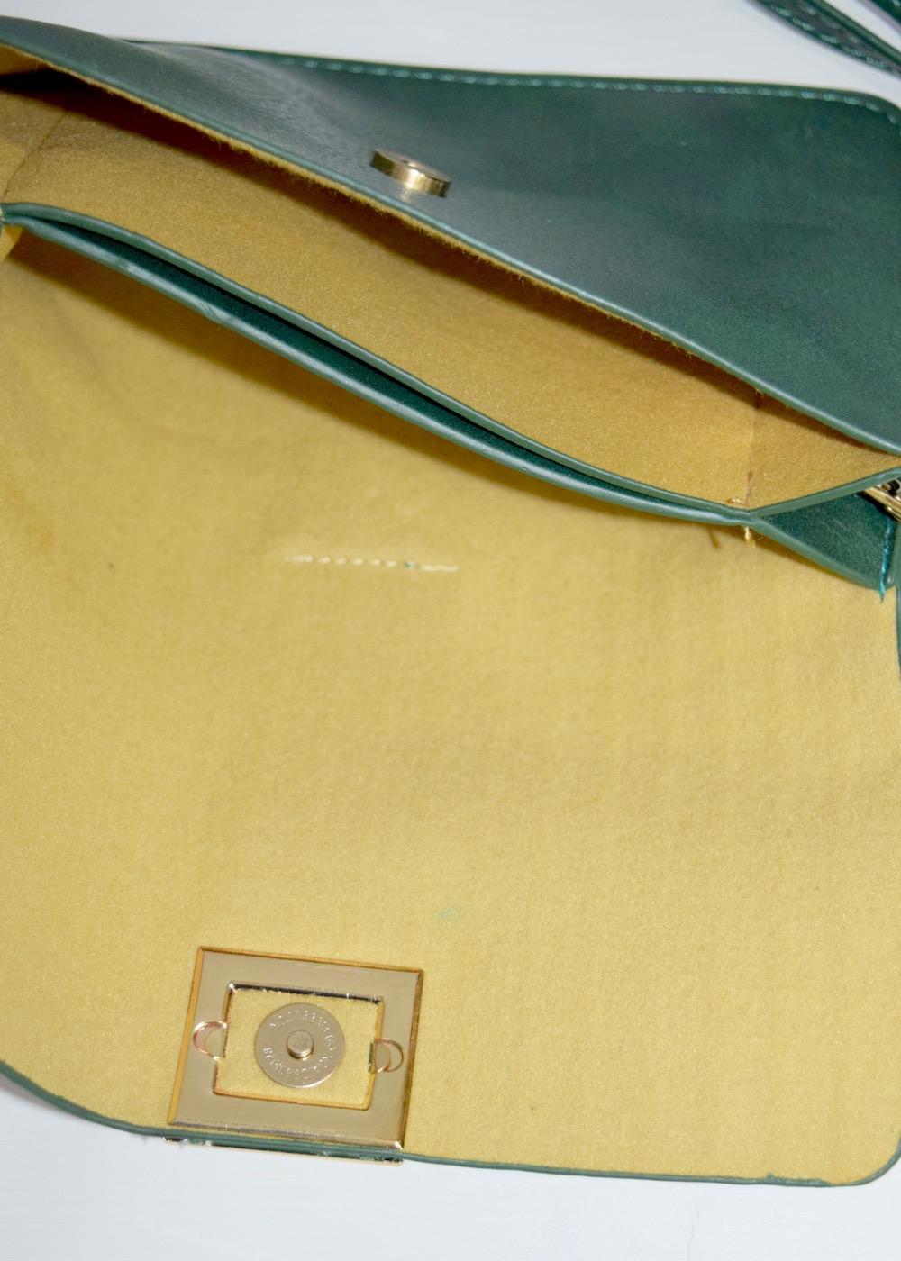 (全2色)EMBOSSED LEATHER SHOULDER BAG