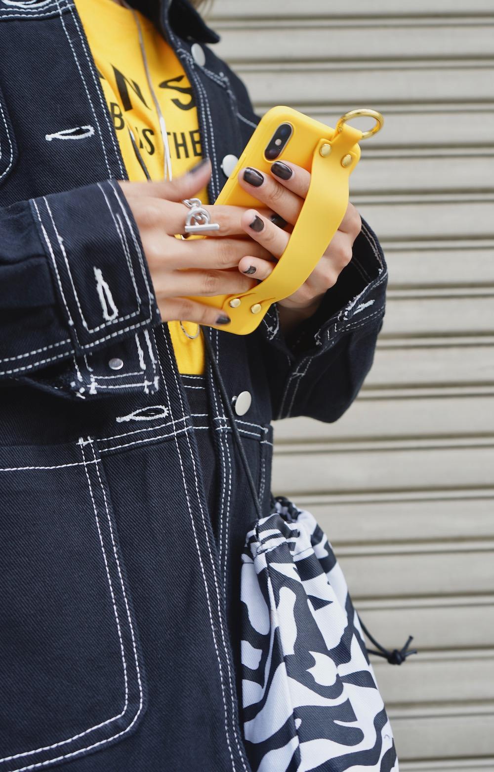 Ring Karabiner&Band iPhone Case (yellow)