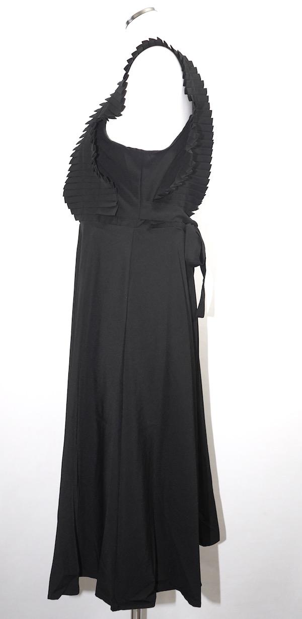 Pleats Point Sleeveless Onepiece (black)