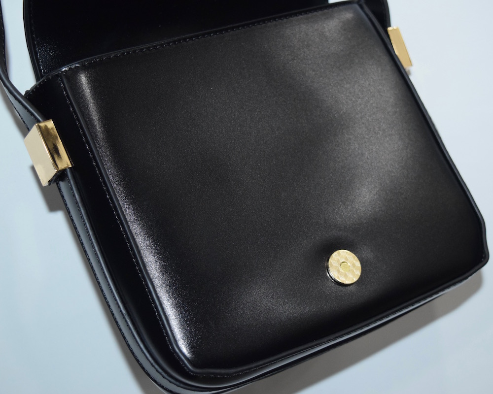 (全2色)BASIC LEATHER-TOUCH SHOULDER BAG