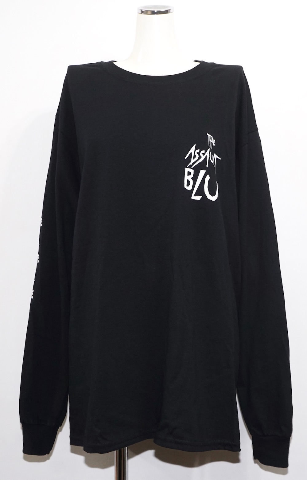 Scratch Logo Sleeve Big  L/S TEE (black) -ASSAULT BLUE-