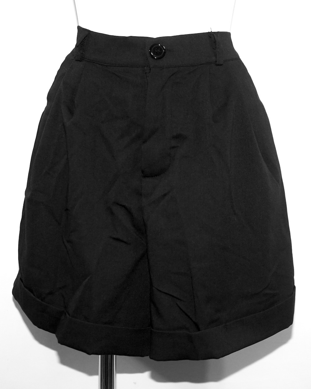 High-Waist Tuck Short Slacks (black)