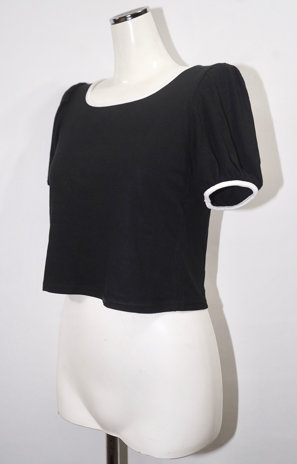 Piping Trim Puffsleeve Tops (black)