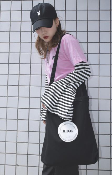 (全2色) ADG BLACK-TAG TEE