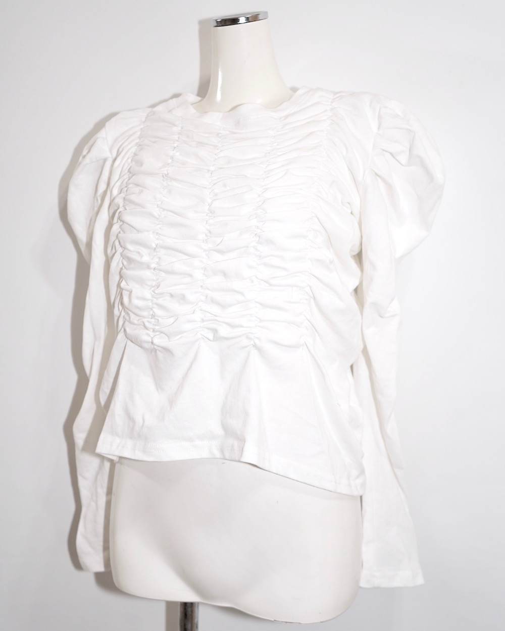 Shirring Design Puff Shoulder Tops (white)