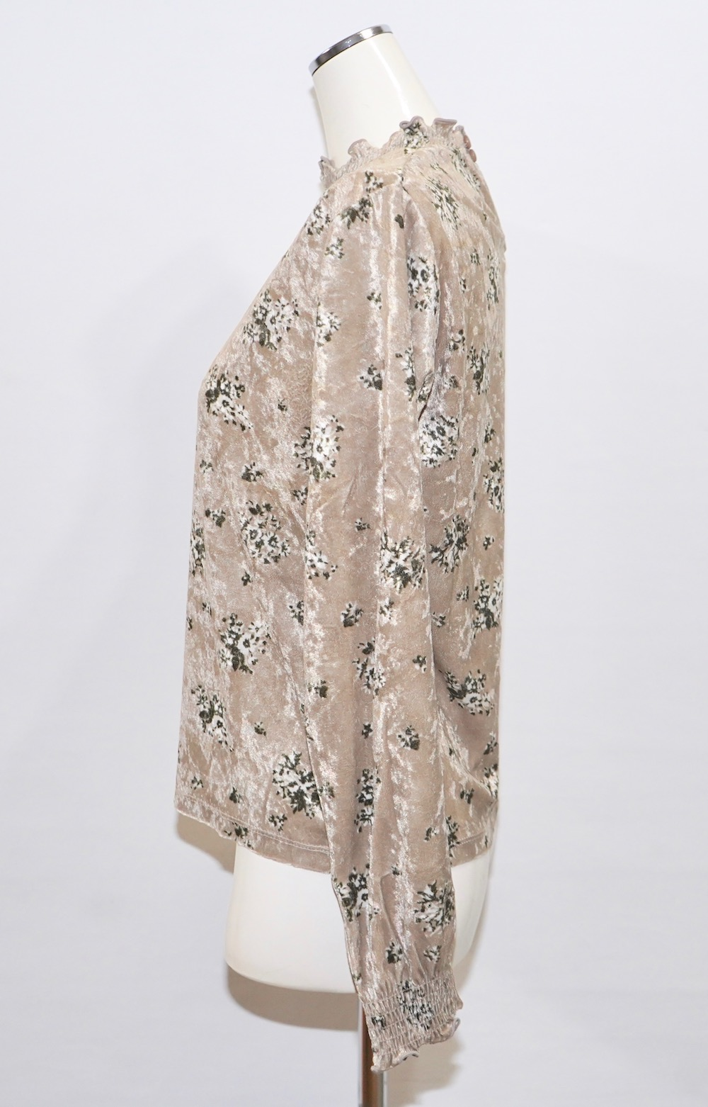 Flower Bouquet Velvet Blouse(beige)