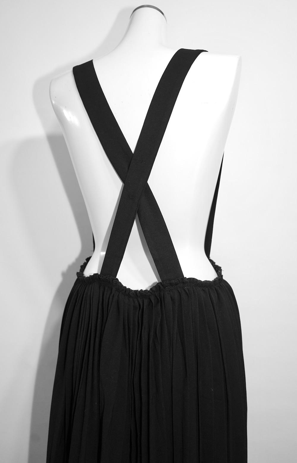 Cross Strap Pleats Jumper Long Skirt (black)