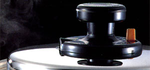 200VIH他オール熱源対応日本製三層鋼調理鍋シリーズ EXTRA(エクストラ)蓋付きフライパン24cm