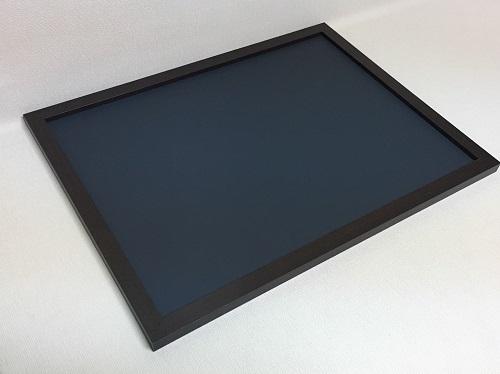 チョークボード(スチール製) 黒色(木目調枠付き)/ (30cm〜45cm) x (30cm〜45cm) x 厚み2cm