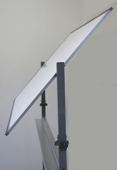 脚付き両面式ホワイトボード(片面横書き月予定表/片面無地) / ボードサイズ:タテ90cm x ヨコ120cm、スタンド装着時の全高184cm